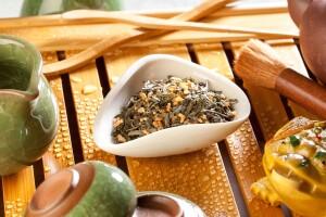 Состоит из традиционных сортов зеленого чая и коричневого неочищенного риса, который предварительно обжаривают